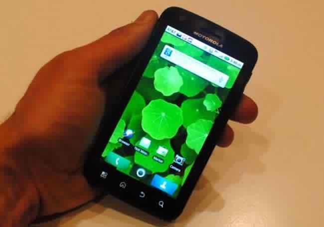 Motorola ATRIX является истинным воплощением мобильных вычислительных систем