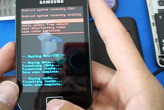 Полный сброс (hard reset) Samsung Ace