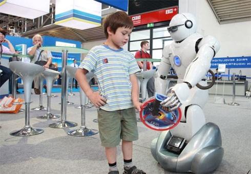Робот-Топио может сыграть с вами в теннис